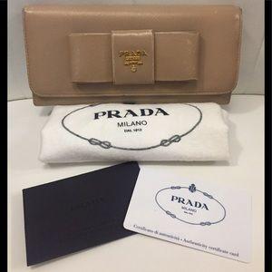 Auth Prada wallet/dust bag/auth card